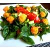 Salotos su česnakiniais morkų rutuliukais